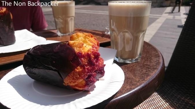Muffin & Latte